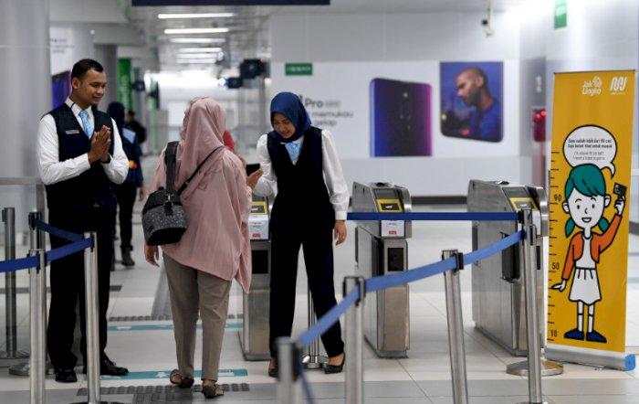 Alasan Kenapa Tidak Ada Tong Sampah di dalam Area Stasiun MRT