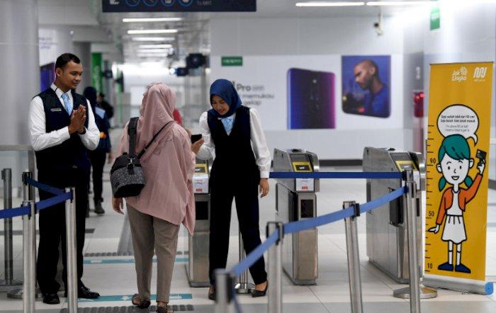 Penumpang Diminta Tidak Lakukan Tap In & Tap Out Kartu di Stasiun MRT