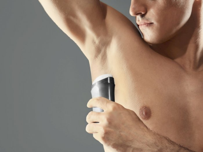 Tips Membersihkan Bulu Ketiak Pria yang Perlu Kamu Ketahui