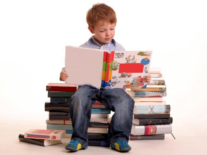 5 Alasan Kenapa Kamu Harus Rajin Baca Buku