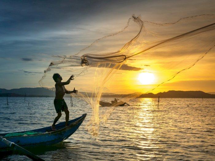 Nelayan Hilang Terhempas Gelombang Tinggi