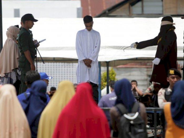 11 Pelanggar Syariat Islam di Aceh Dihukum Cambuk