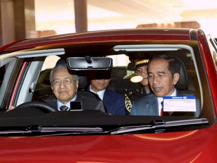 Momen Istimewa PM Malaysia Jadi Sopir Jokowi