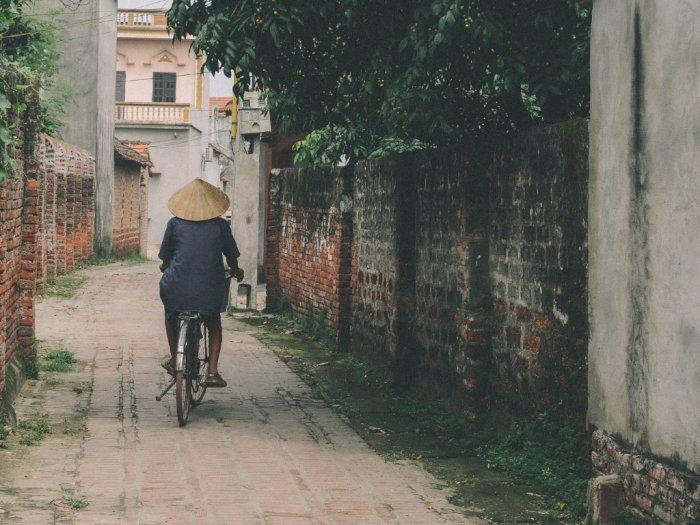 Berikut Cara Aman Tinggal di Rumah Warga Desa