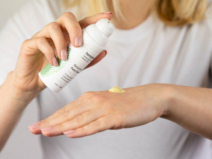 Sunscreen Kimia atau Mineral? Ini Pilihan yang Tepat Buat Kamu