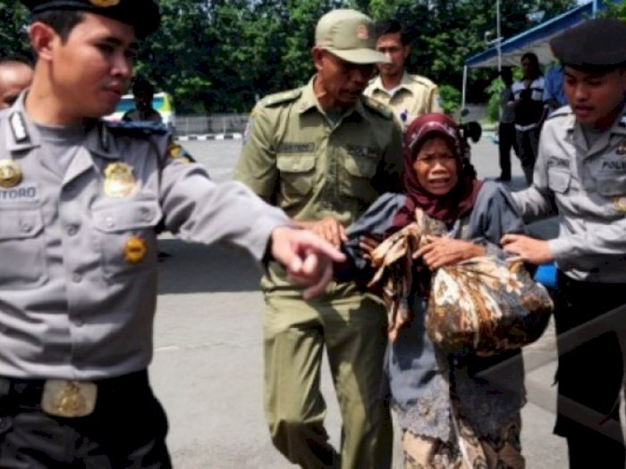 Gelandangan di Indonesia Bakal Dikenakan Denda Rp1 Juta