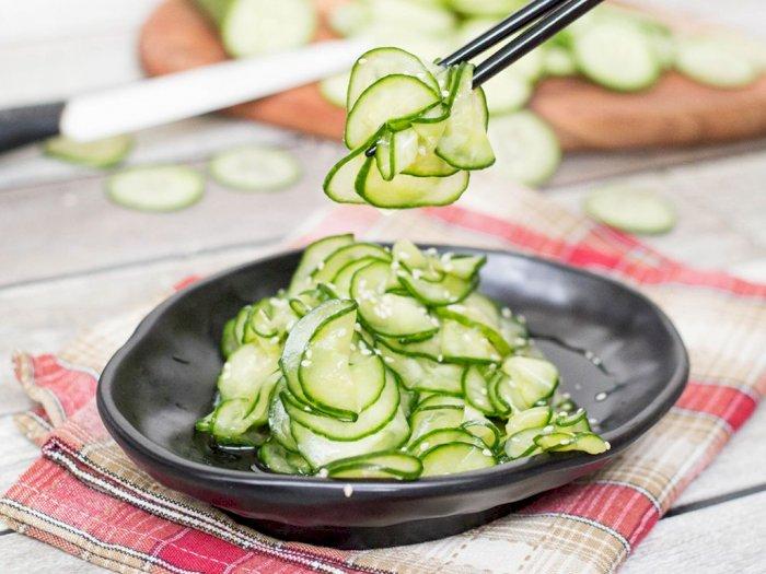 Membuat Salad Timun Ala Orang Korea