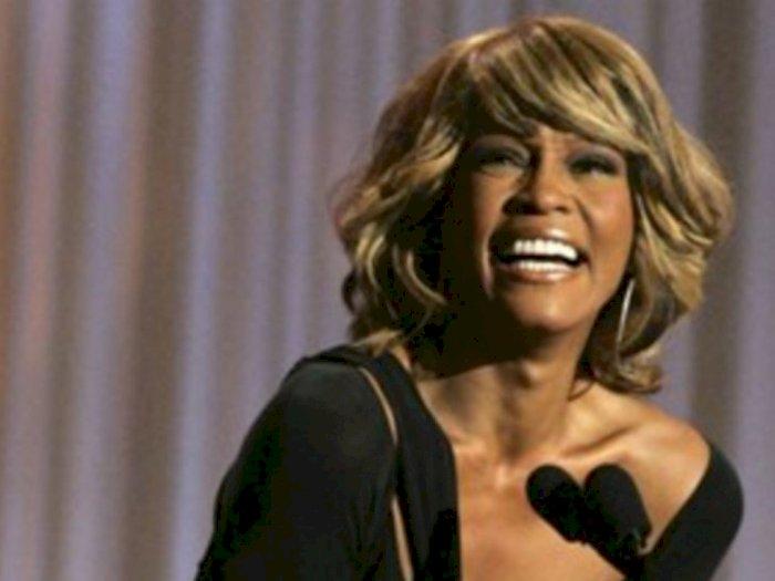 Base Entertainment Siap Gelar Konser Hologram Whitney Houston