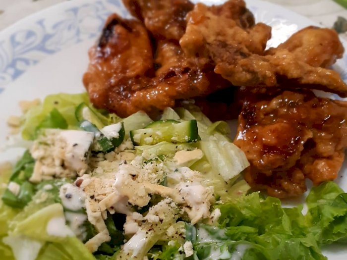 Honey Butter Chicken With Salad Ala Korea, Ini Resepnya