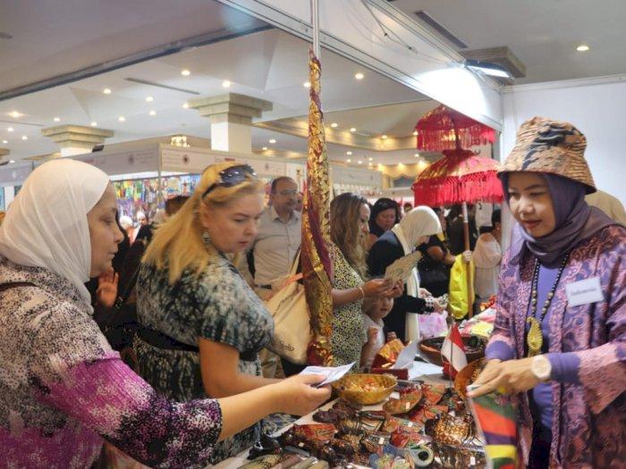 Putri Kerajaan Yordania Borong Batik Di Acara Bazar Internasional