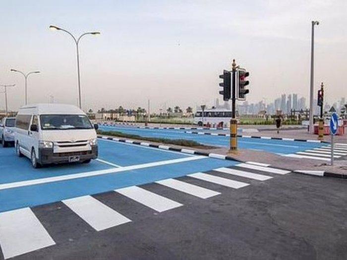 Turunkan Suhu Panas, Qatar Mengecat Jalanan Jadi Warna Biru