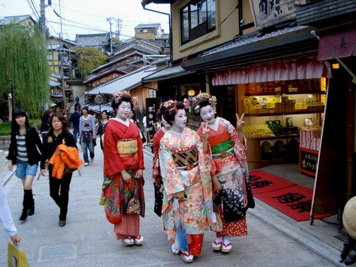 Berfoto Tanpa Izin di Distrik Geisha Ini Bakal Didenda Rp1,3 Juta