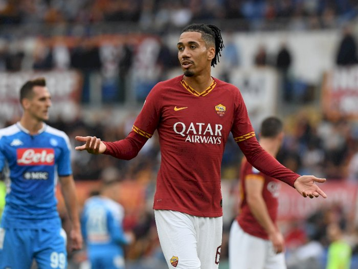 AS Roma Akan Permanenkan Smalling, Duo Milan Kebakaran Jenggot