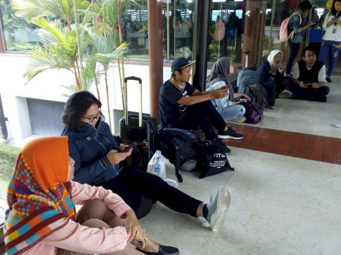 Sriwijaya Air Setop Operasi, Rombongan WartawanTerlantar di Bandara