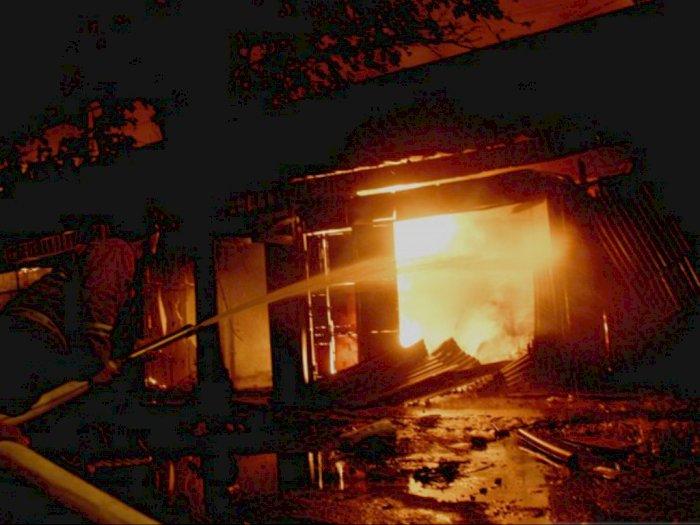 Pasar Ngunut Terbakar, 70 Persen Kios Pedagang Hangus Dilalap Api