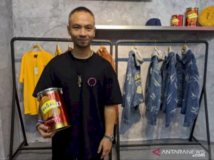 Kolab Unik Biskuit dengan Fesyen Lokal dalam Urban Sneaker Society