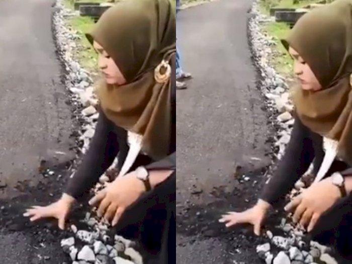 Anggota DPRK Aceh Ini Dapati Jalanan Aspal Rapuh