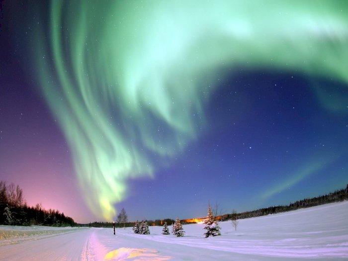 Cahaya Warna Warni di Kutub Ini Bernama Aurora