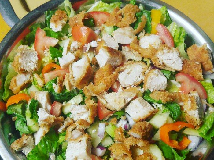 Resep Mudah Salad Ayam Goreng Untuk Sajian di Akhir Pekan Ini
