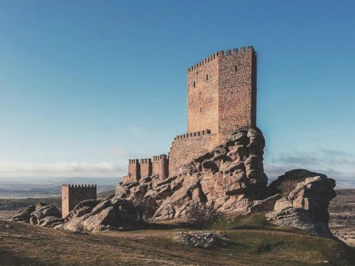 Jelajahi Kastil Zafra, Lokasi Syuting Tower of Joy di Game of Thrones