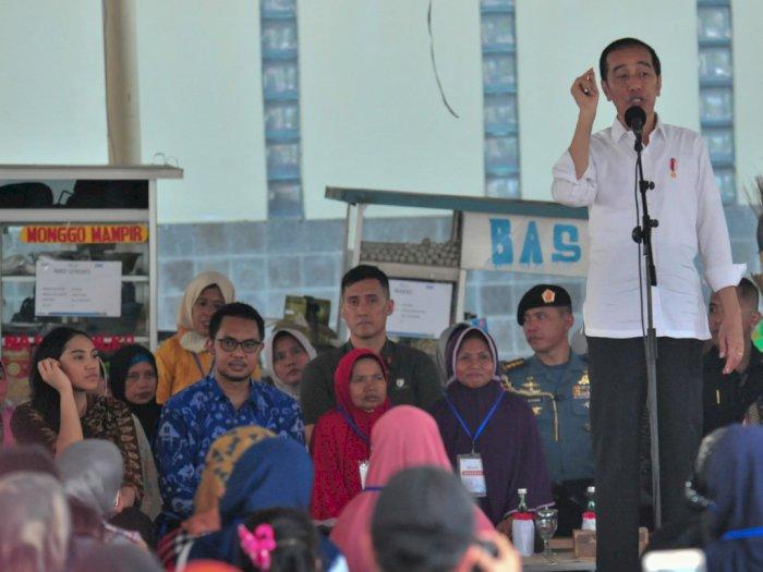 2 Staf Khusus Milenial Temani Jokowi Kunjungan Kerja