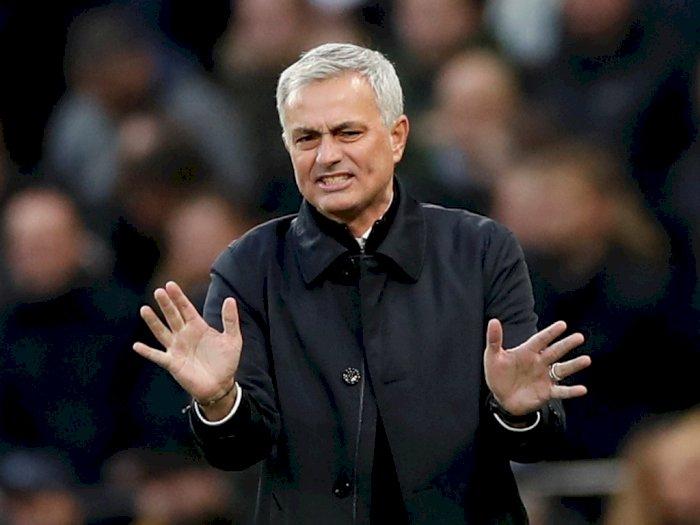 Ketka Jose Mourinho Mengabaikan Son Heung-min Usai Laga