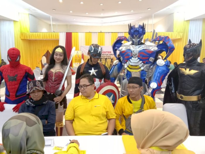 Gokil, Bakal Calon Ketum Partai Golkar Dikawal Superhero