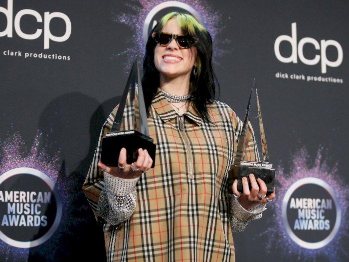 Billie Eilish Raih Penghargaan di Apple Music Awards