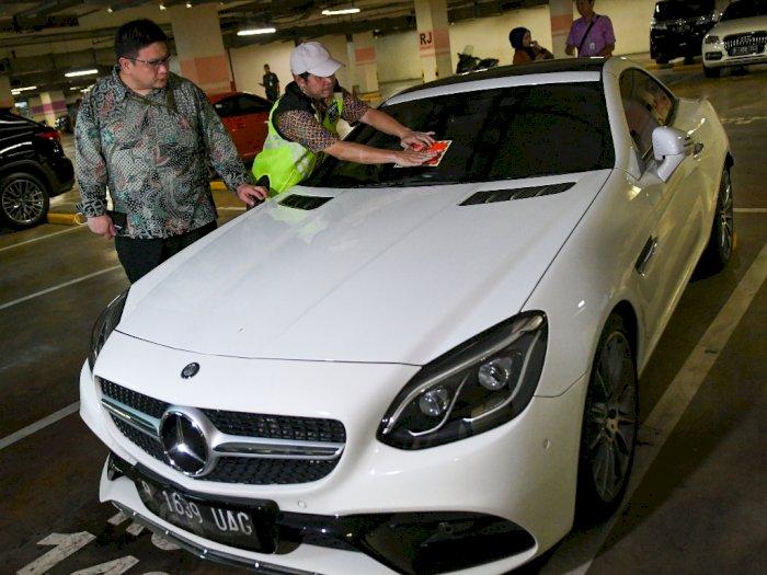 FOTO: Duh! Mobil-mobil Mewah di Jakarta Menunggak Pajak
