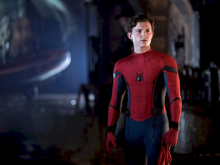 Tom Holland 'Selamatkan' Spider-Man Saat Mabuk