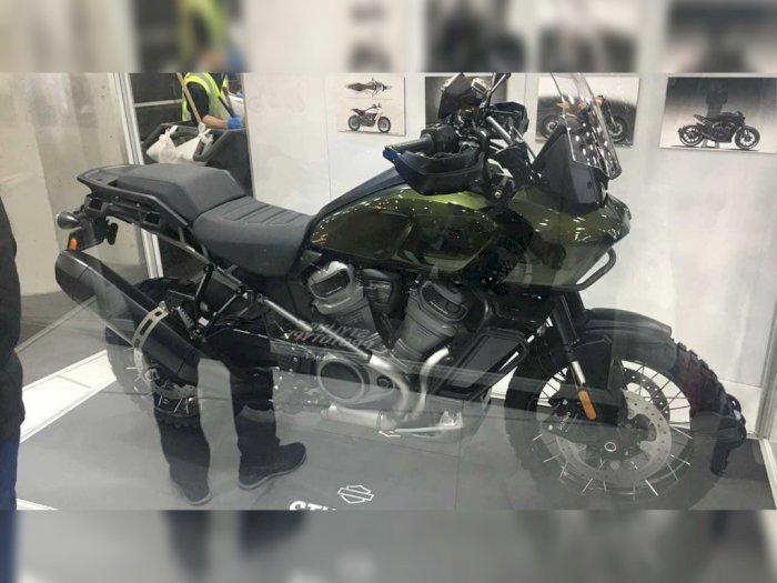 Harley-Davidson Pan America Dipamerkan dengan Kotak Kaca