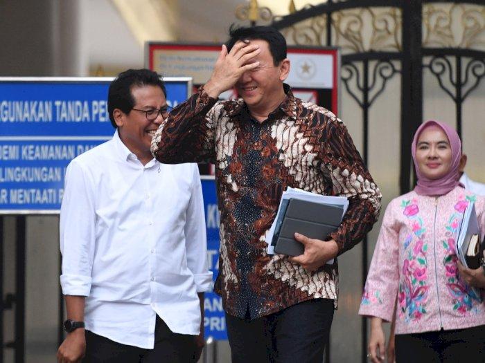 FOTO: Ekspresi Ahok Usai Bertemu Jokowi di Istana