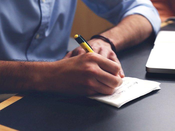 Nggak Perlu Berkecil Hati, Ini 5 Kelebihan Tulisan Tangan Jelek