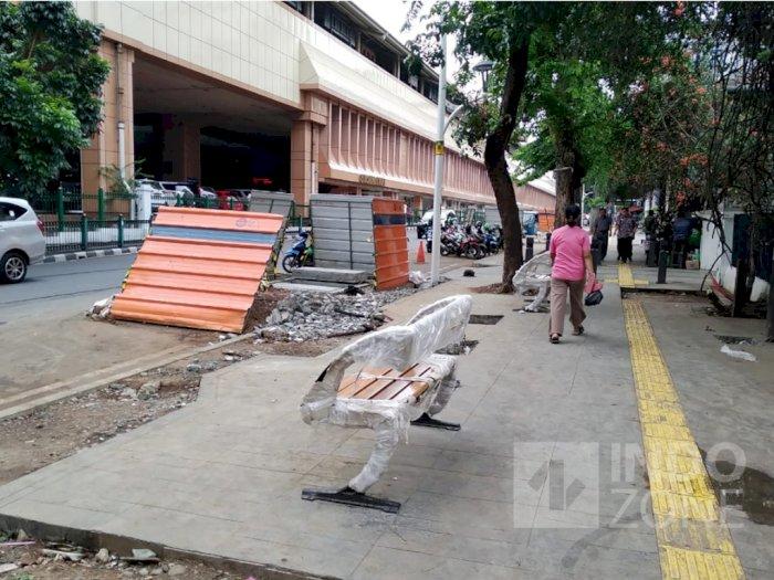Pembangunan Manhole Kenapa Bongkar Trotoar?