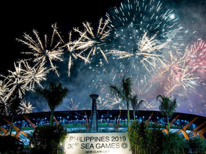 FOTO: Pesta Kembang Api Tutup SEA Games 2019 Filipina