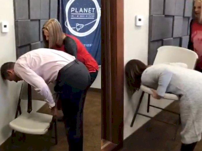 Viral Challenge Angkat Kursi Sambil Bungkuk, Ada yang Sudah Coba?