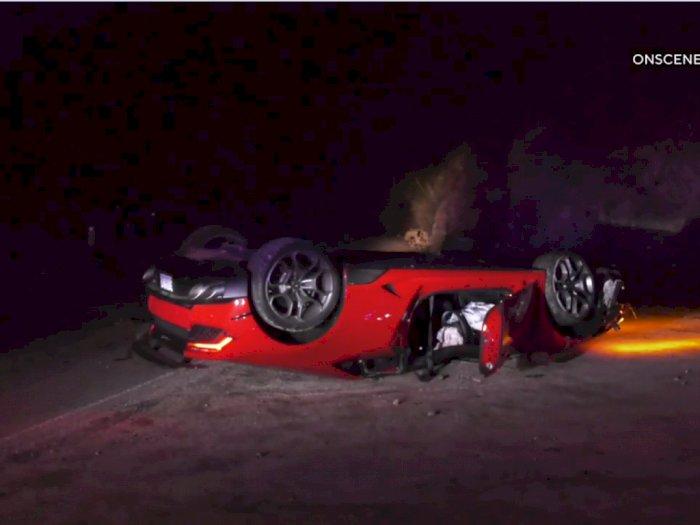 Lamborghini Huracan Terbalik dan Ditinggal Pengemudi