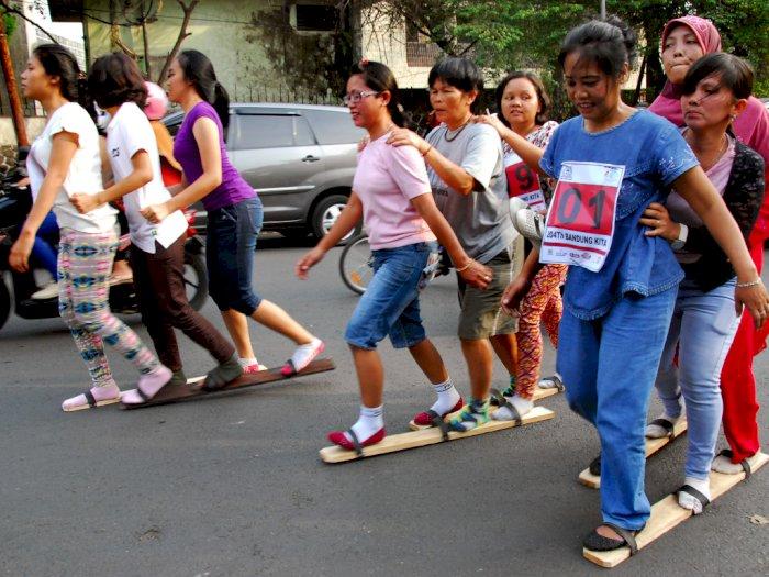 Bakiak Permainan Tradisional Dari Sumatera Barat Indozone Id