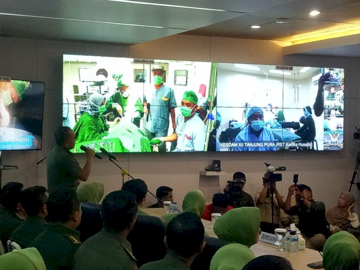 Hari Juang ke-74, TNI AD Gelar Operasi Bibir Sumbing & Sunatan Massal