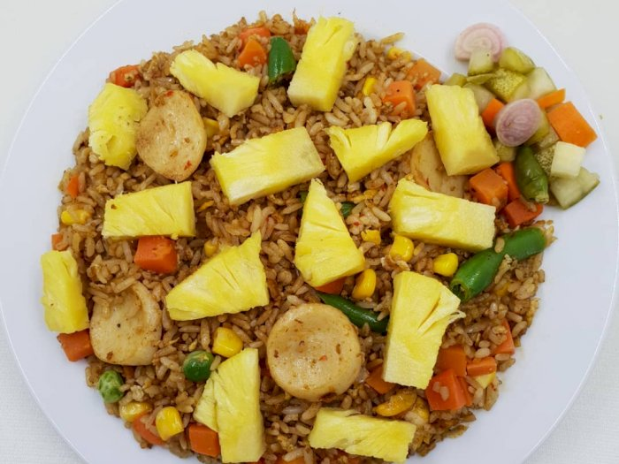 Nasi Goreng Nanas dengan Cita Rasa yang Thailand Banget