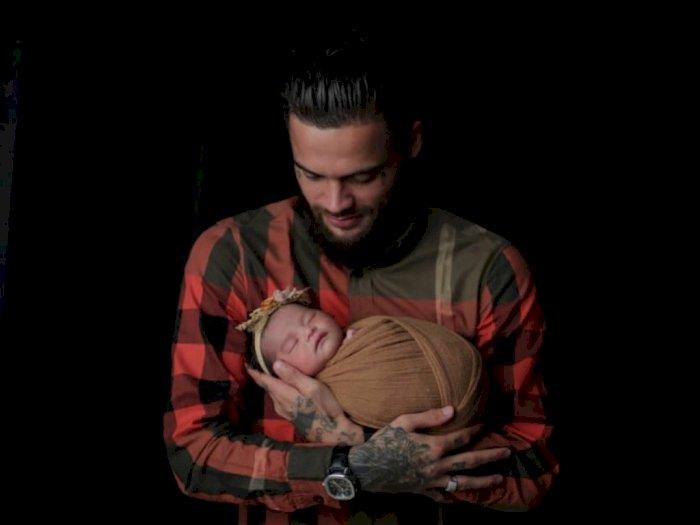 Intip Potret Lucu Putri Pertama Diego Michiels yang Baru Lahir