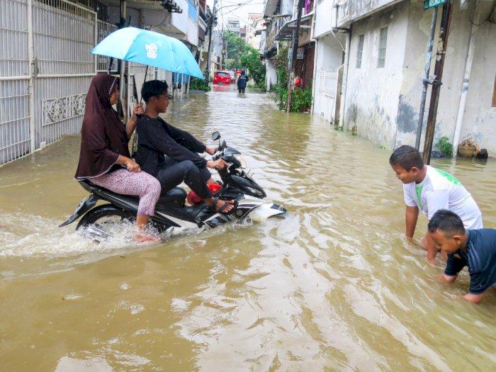 Pantau Banjir Jabodetabek, BNPB Perintahkan Bangun Posko
