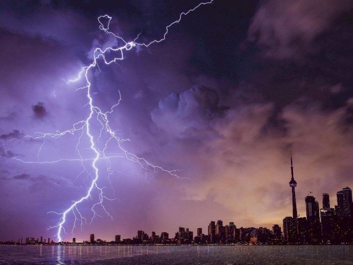 Hujan Angin Disertai Petir Berpotensi Terjadi hingga Pekan Depan