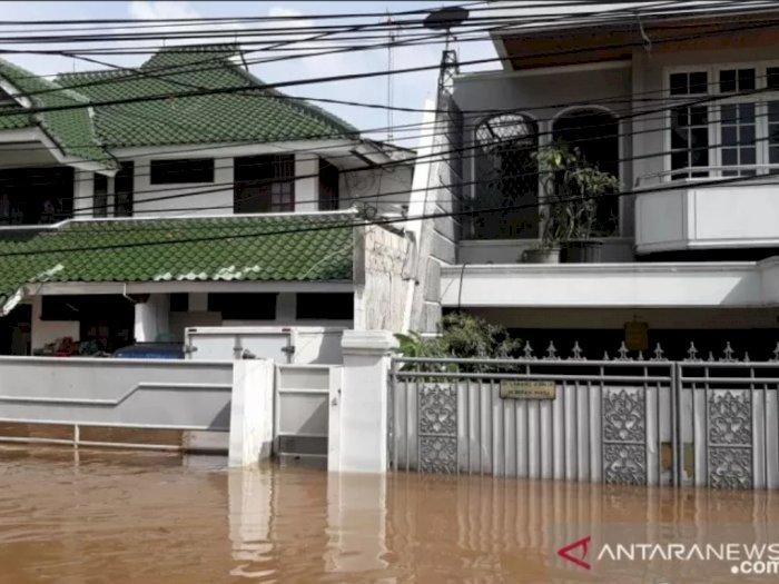 Banjir Rendam Ratusan Rumah Mewah di Perumahan Green Garden