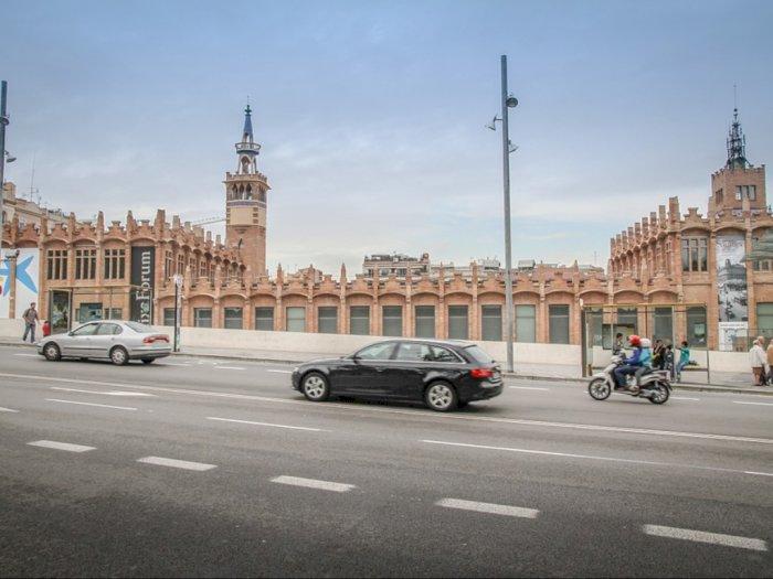 Barcelona  Akan Melarang Penggunaan Mobil Tua Demi Kebersihan Udara