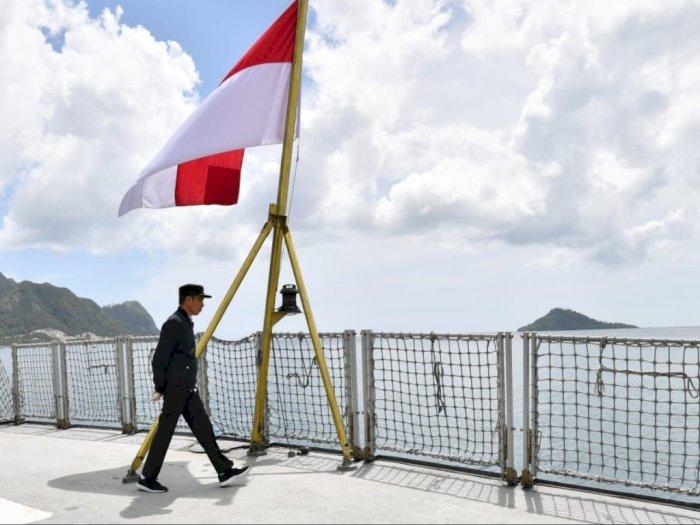 FOTO: Presiden Jokowi Tinjau Kapal Perang di Natuna