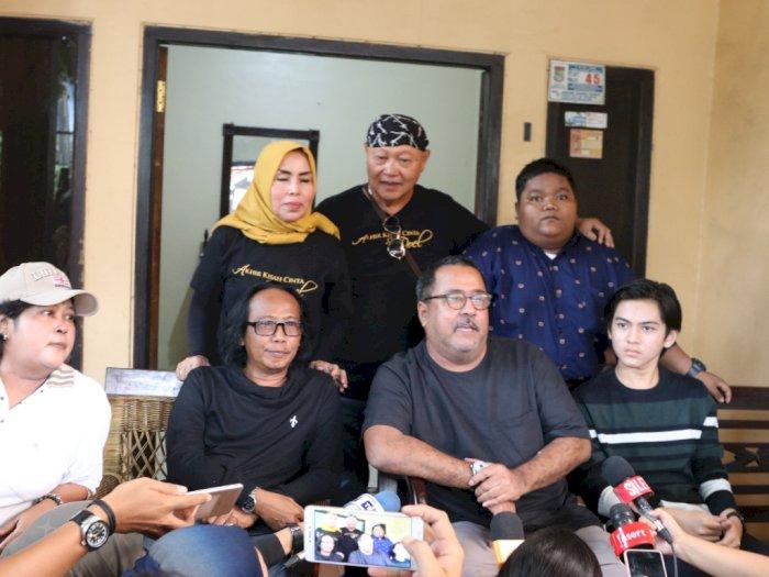 Cerita Rano Karno Evakuasi Aminah Cendrakasih Saat Banjir
