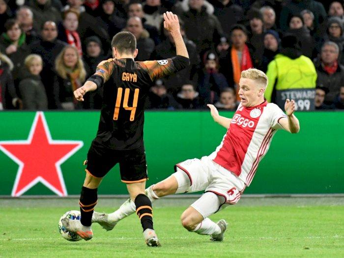 Jadi Incaran Klub-Klub Besar Inggris, Gelandang Ajax Ini Tak Tertarik