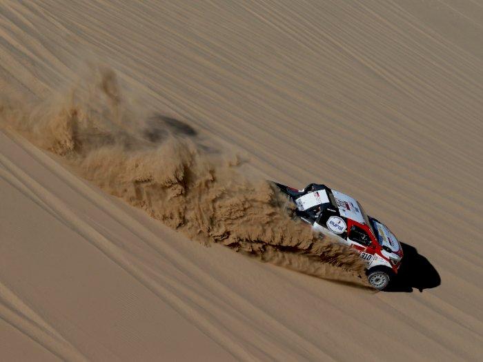 FOTO: Aksi Mantan Juara Dunia F1 di Reli Dakar 2020