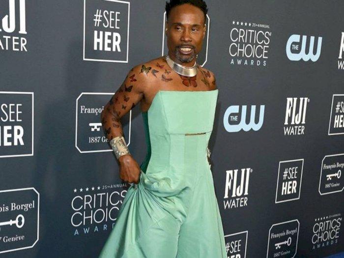 Nyentrik, Billy Porter Pakai Gaun Hijau di Critics' Choice Awards